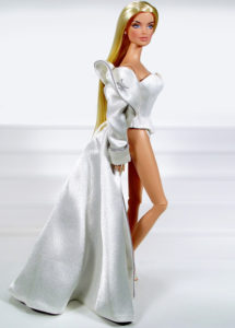 Close-Up Blond Veronique Perrin Image